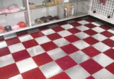 Diamond Plate Metal Interlocking Floor Tiles