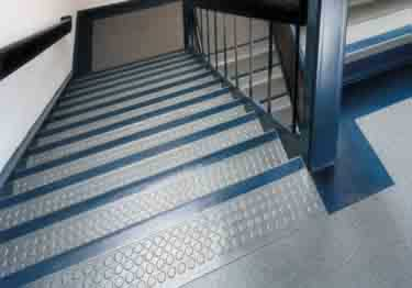 Johnsonite Rubber Stair Tread | One Piece w/Riser large image 4